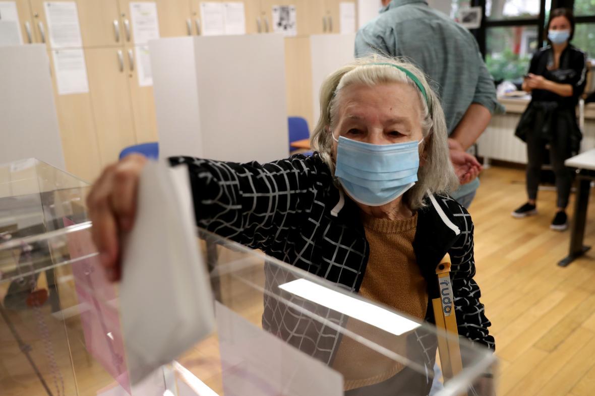 Jedna z volebních místností v Bělehradu
