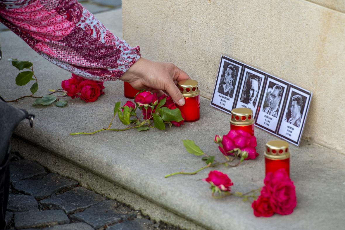 Lidé uctili památku obětí komunismu například také v Hrádku na Nisou