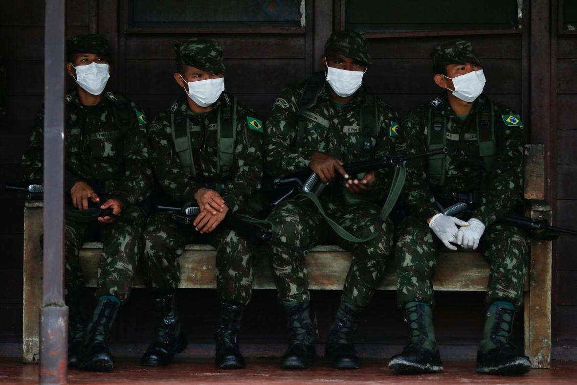 Onemocnění covid-19 se šíří amazonským pralesem