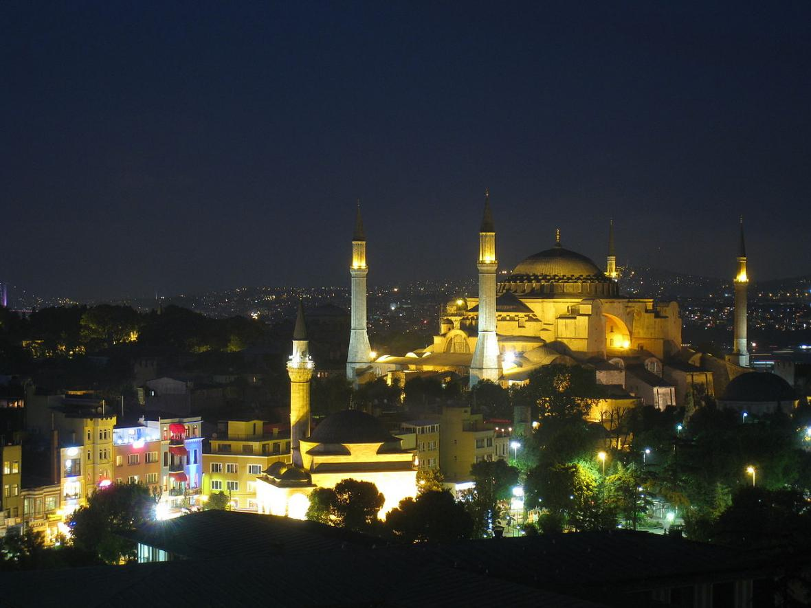 Hagia Sofia v noci