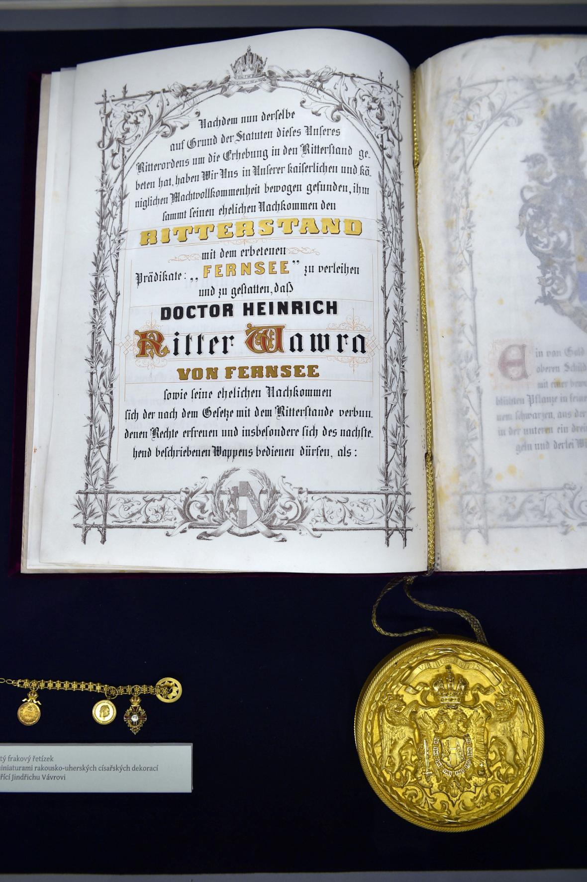 Rytířský dekret, jímž císař František I. povýšil Vávru roku 1872 do šlechtického stavu