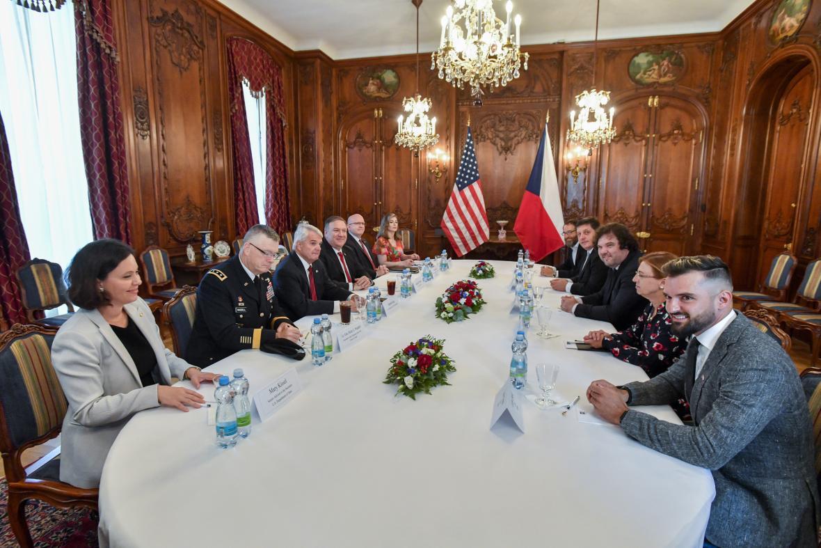 Americký ministr zahraniční Mike Pompeo na oficiální návštěvě České republiky