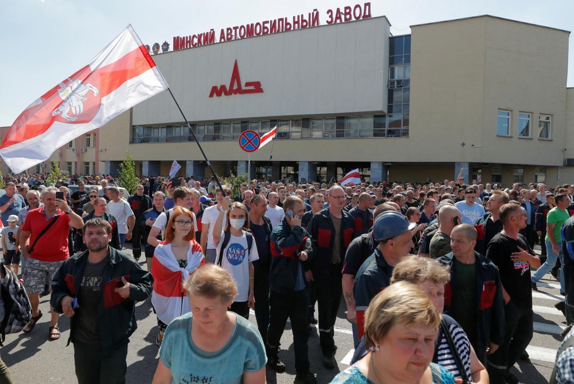 Pondělní protest u Minského automobilového závodu (MAZ)
