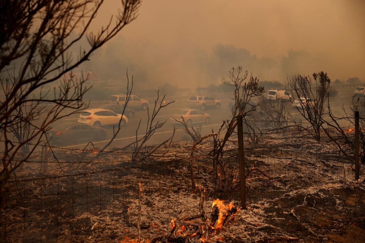 Kalifornie trpí vlnou veder a požáry