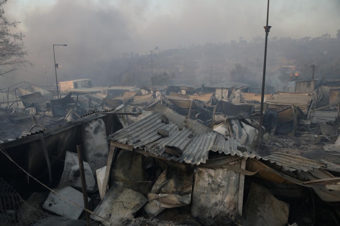 Uprchlický tábor Moria a řeckém ostrově Lesbos zničil rozsáhlý požár