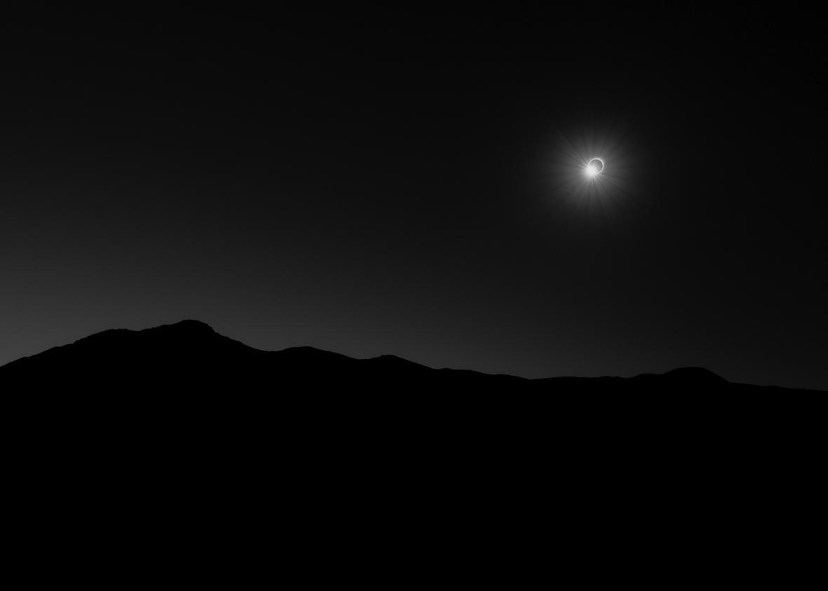 145 Seconds of Darkness © Filip Ogorzelski