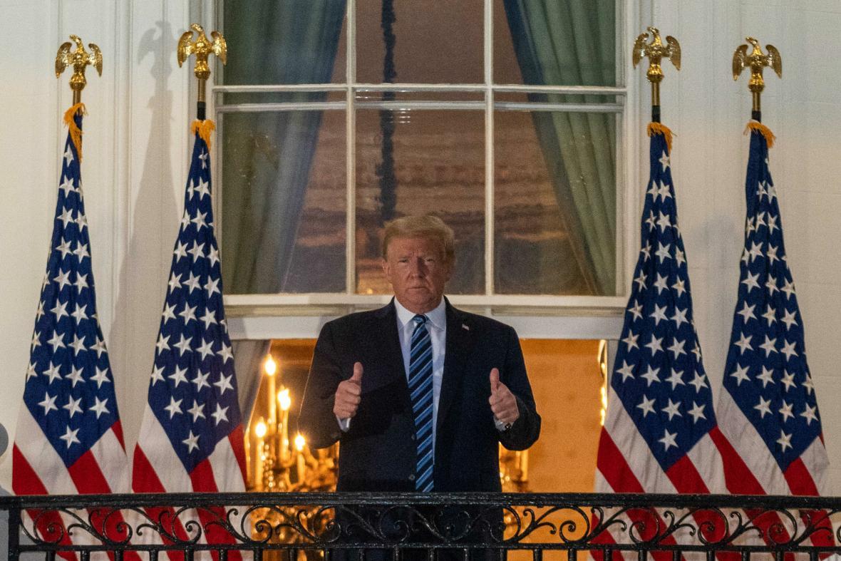 Donald Trump na balkoně Bílého domu