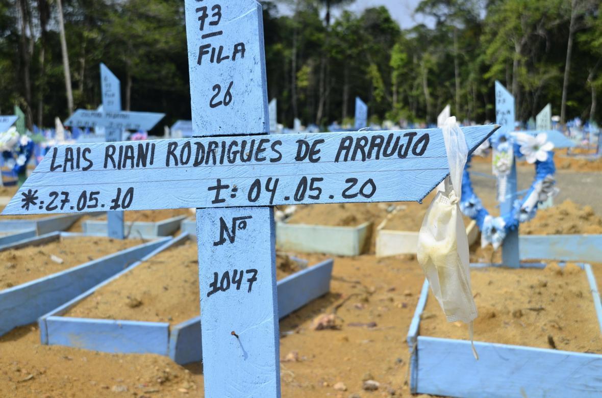 Nové hroby v Manausu