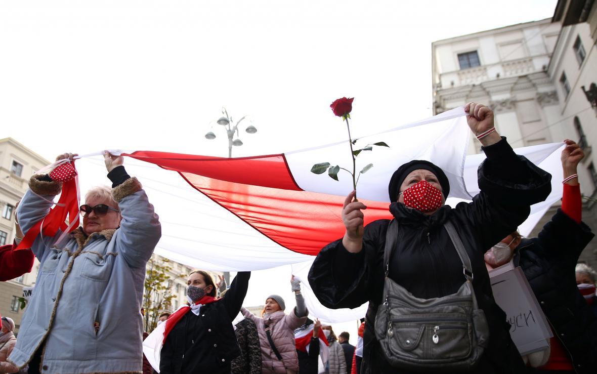 Pondělní protesty a generální stávka v Bělorusku