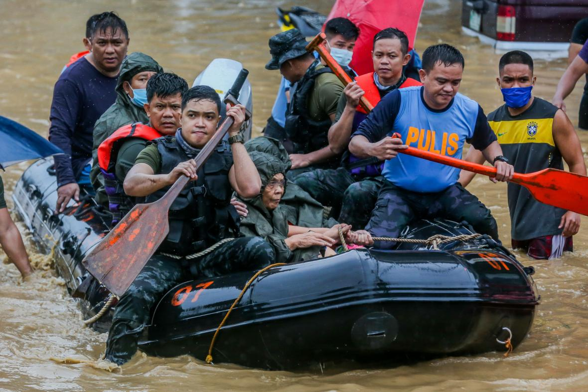 Tajfun Vamco zasáhl Filipíny