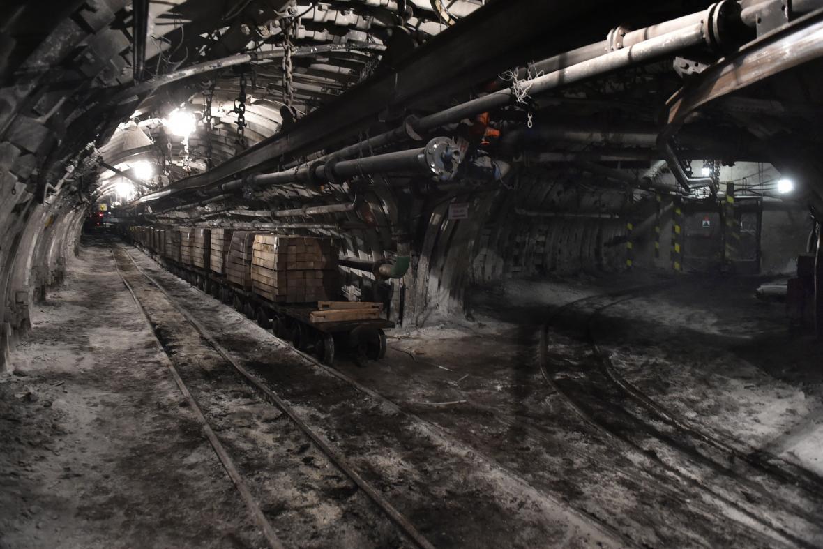 Provoz Dolu Lazy rok po ukončení těžby zajišťuje zhruba 60 lidí