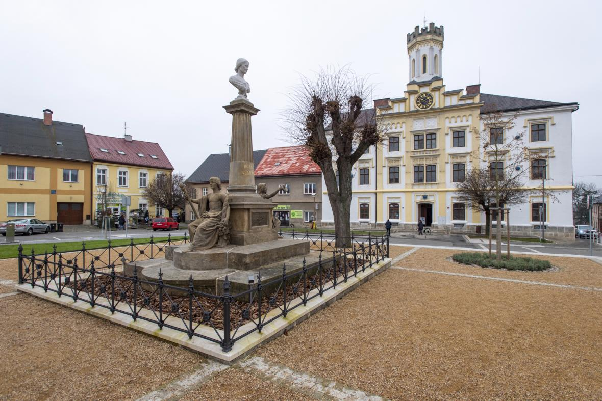 Česká Skalice na Náchodsku dokončila první etapu rekonstrukce centrálního Husova náměstí