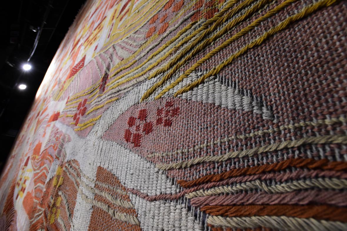 Ručně tkaná opona s vyobrazením Olomouce