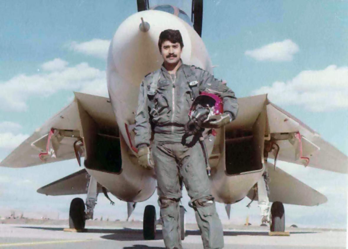 Jalil Zandí, s jedenácti sestřely patrně nejúspěšnější pilot F-14 všech dob; zemřel v roce 2001 v hodnosti brigádního generála