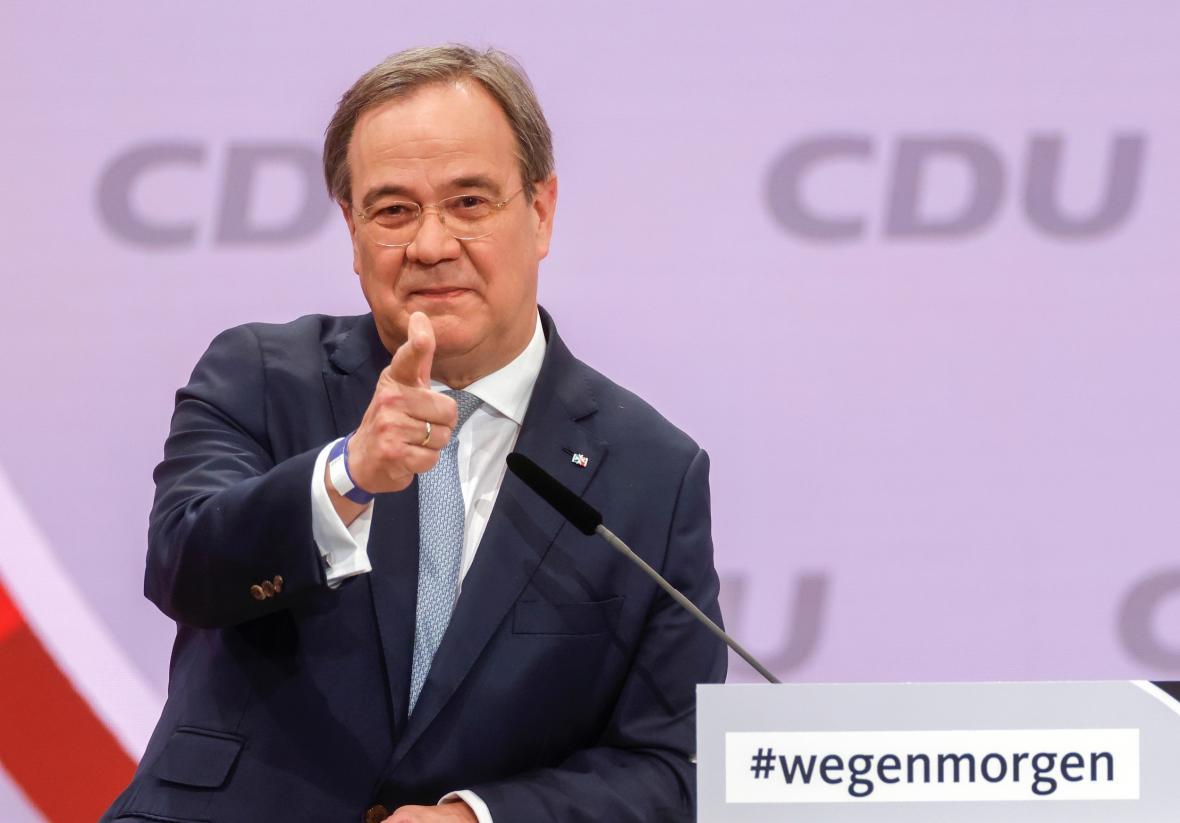 CDU chce jako nástupce Merkelové Lascheta