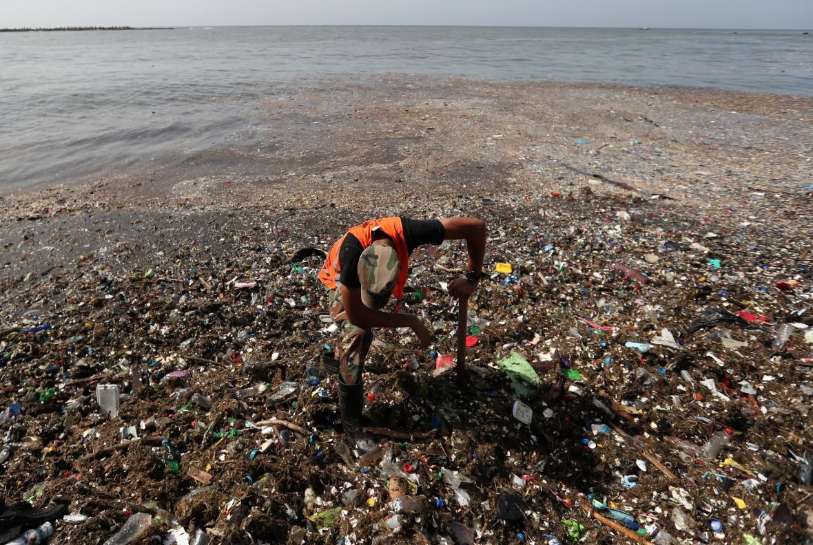 Znečištění na břehu Santa Dominga