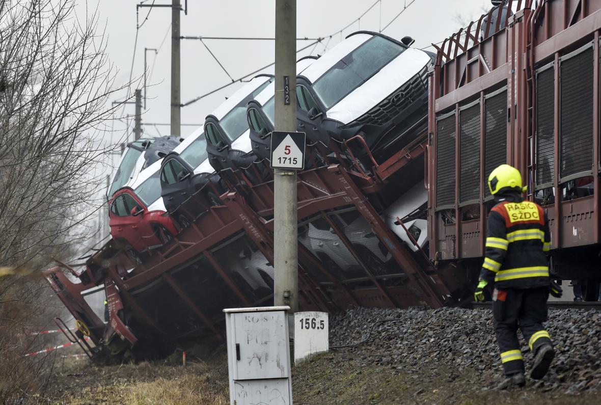 Srážka dvou nákladních vlaků na Zlínsku