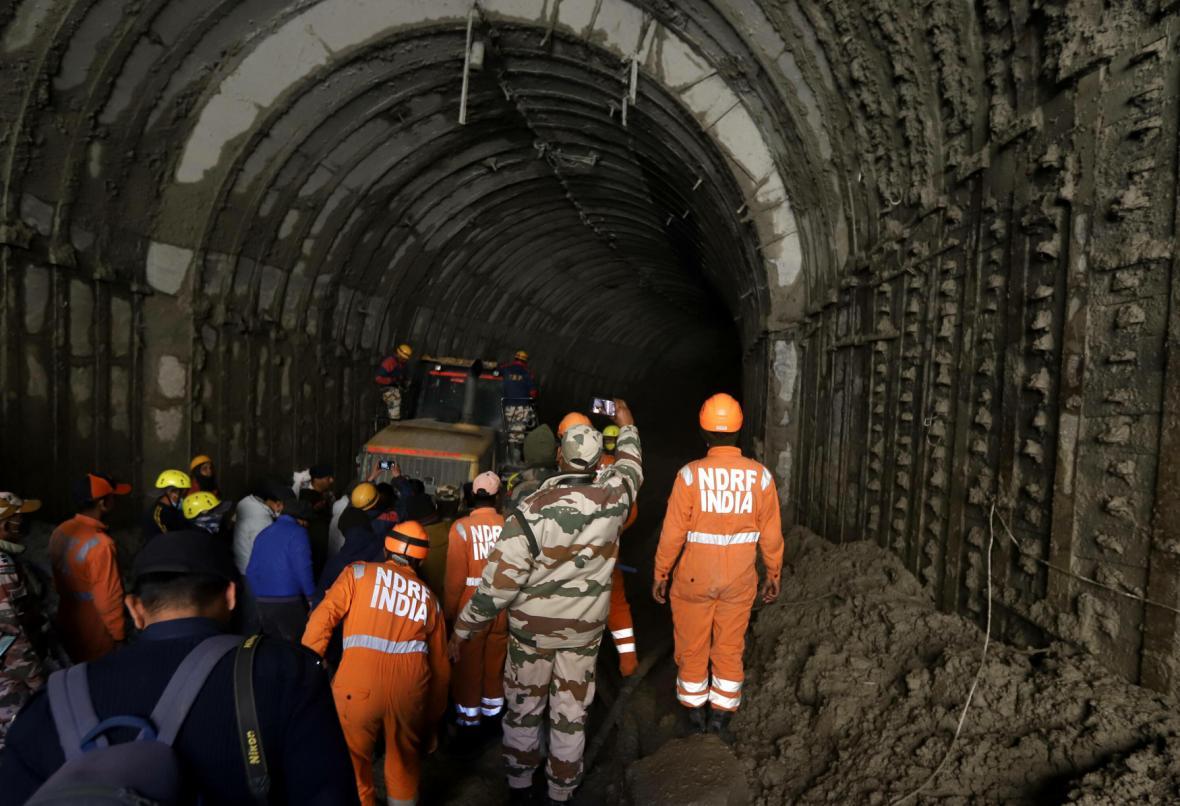 V tunelu jedné z vodních elektráren uvázlo přes 30 tamních pracovníků