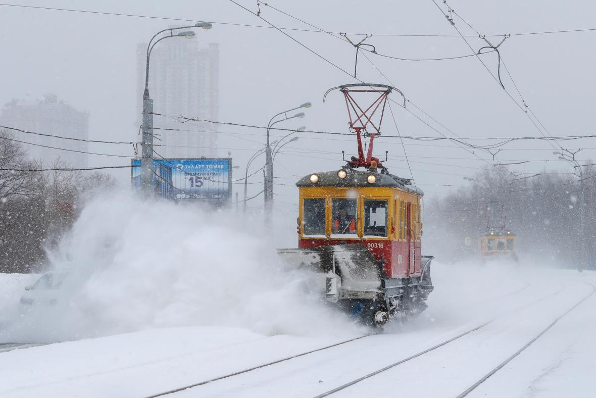 Ruskou metropoli zasypaly přívaly sněhu