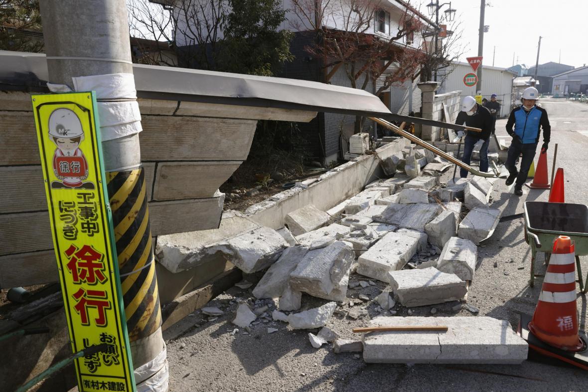 Následky zemětřesení v Japonsku
