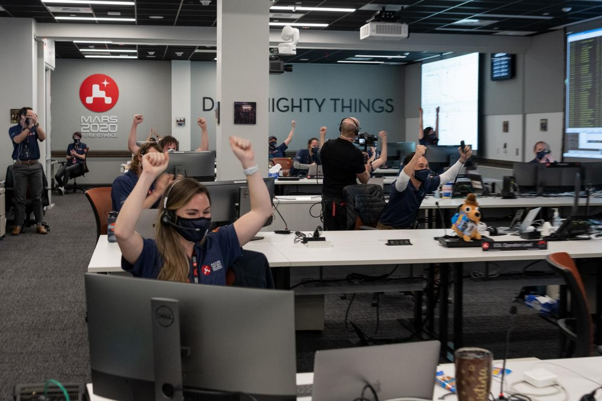 Oslavy v NASA po přistání Perseverance