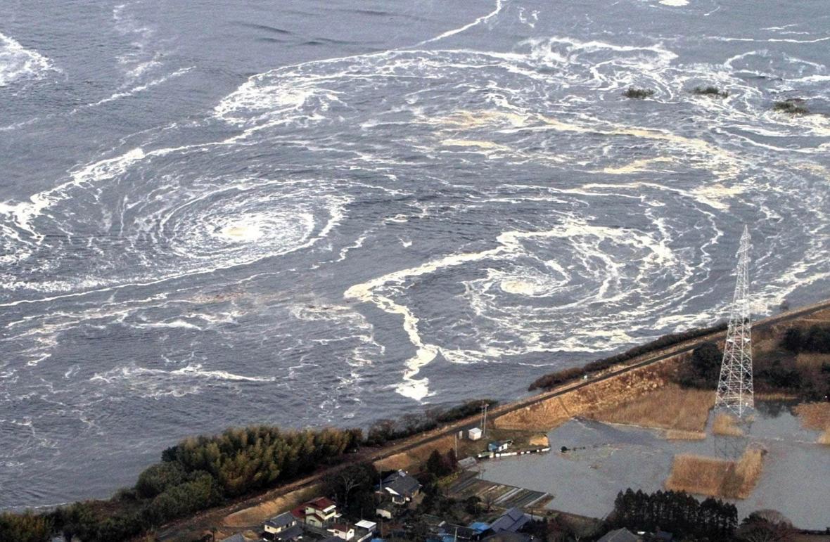 10 let od neštěstí ve Fukušimě. Zěmětřesení a následná vlna tsunami způsobila jadernou tragédii