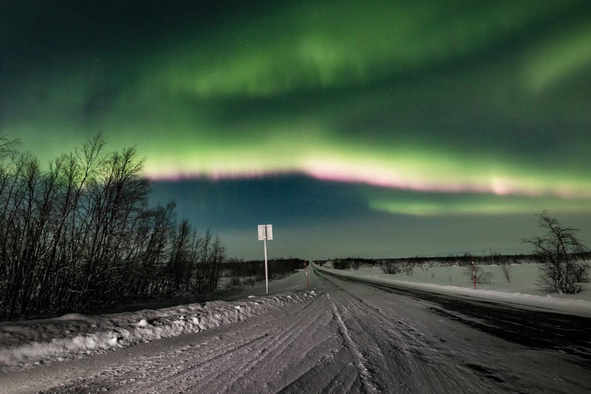 Galerie fotografií polární záře, které zachytil Alexander Kuzněcov