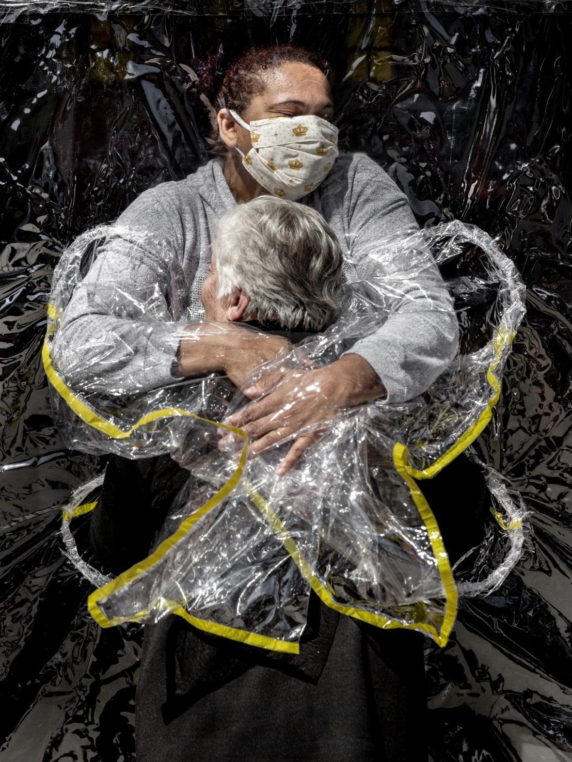 Nominace World Press Photo 2021 v kategorii Fotografie roku a Fotografický soubor roku