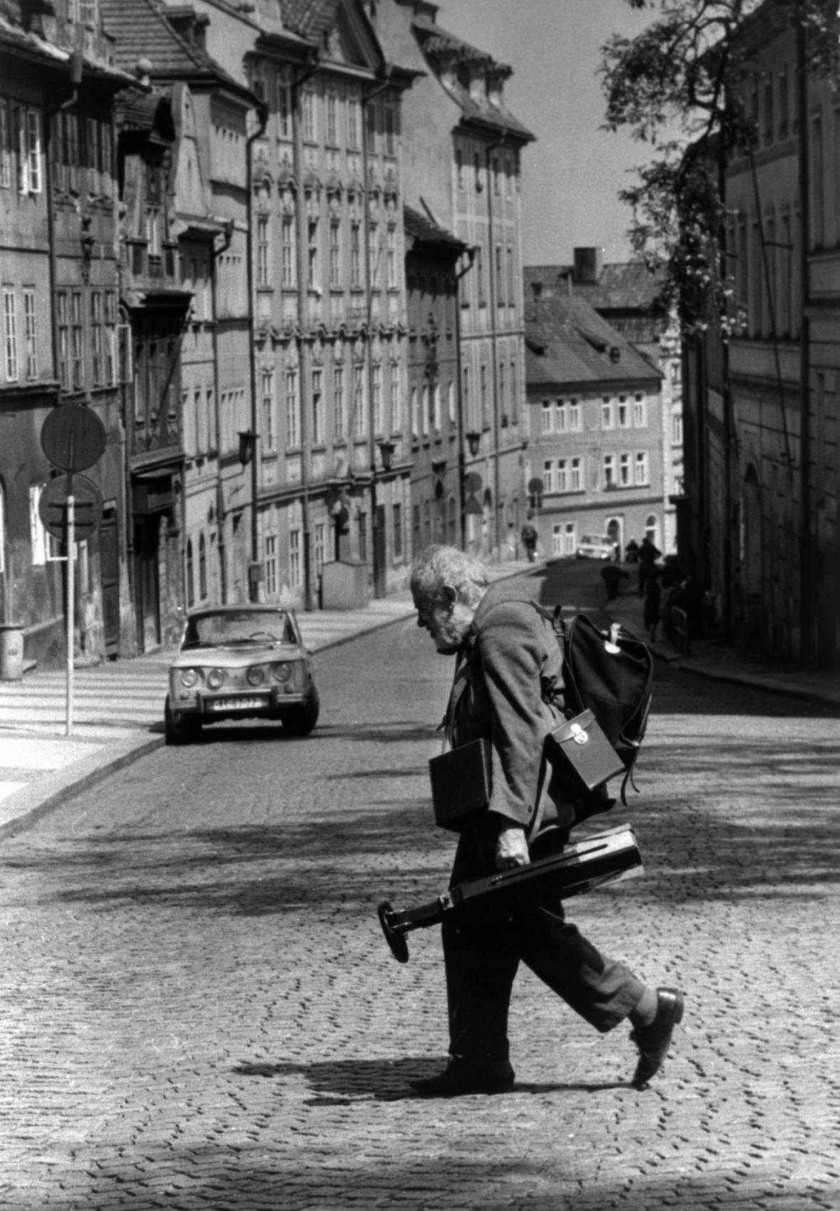 Od narození fotografa Josefa Sudka uplynulo 125 let
