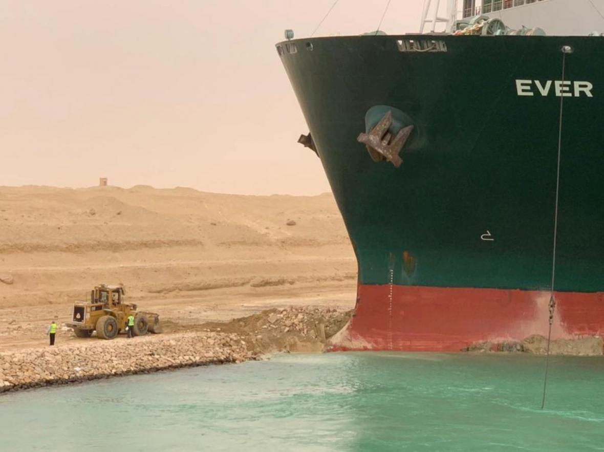 Zablokovaný Suezský průplav