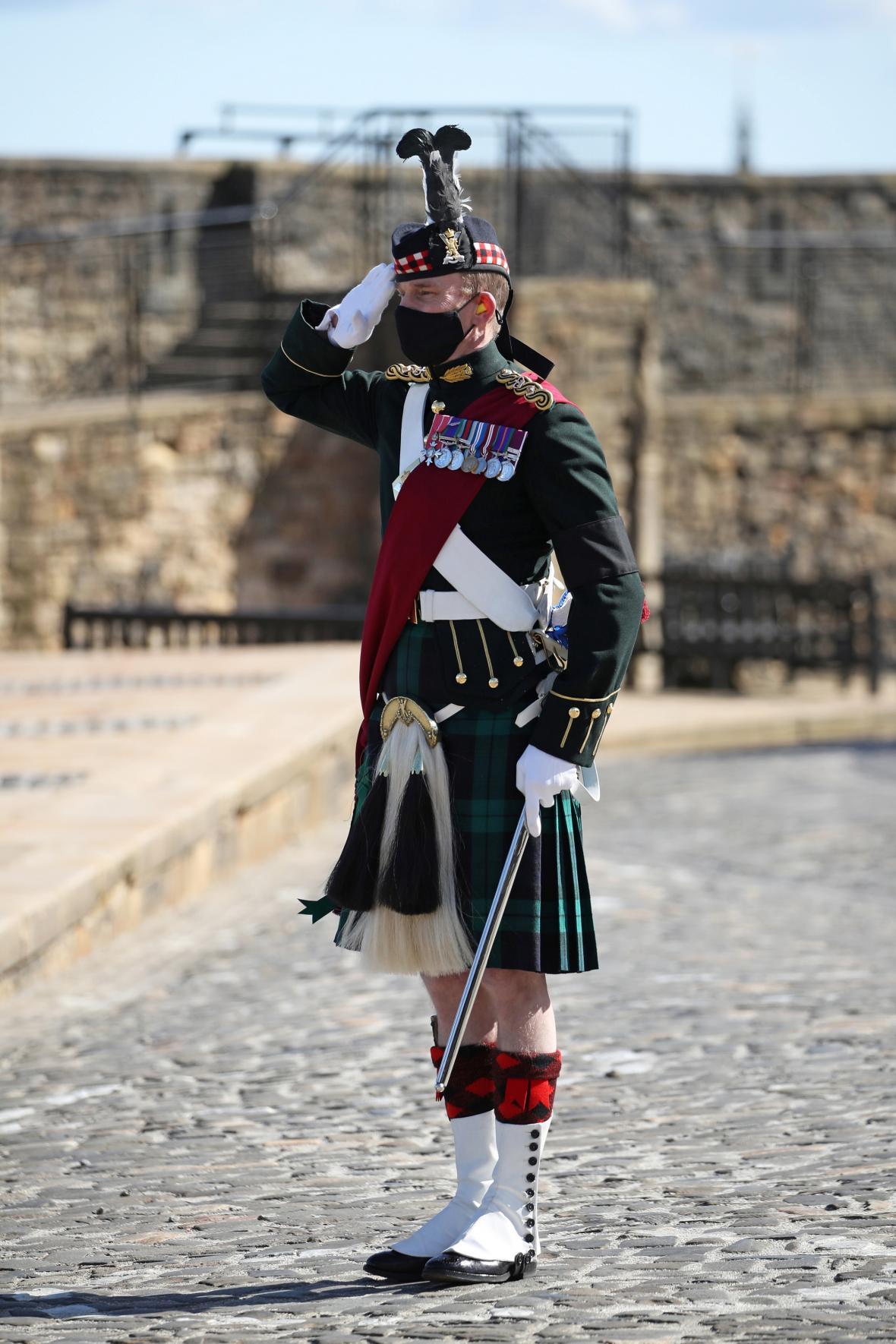 Vojáci měli Philipa rádi, i proto, že princ sám sloužil u námořnictva během 2. světové války