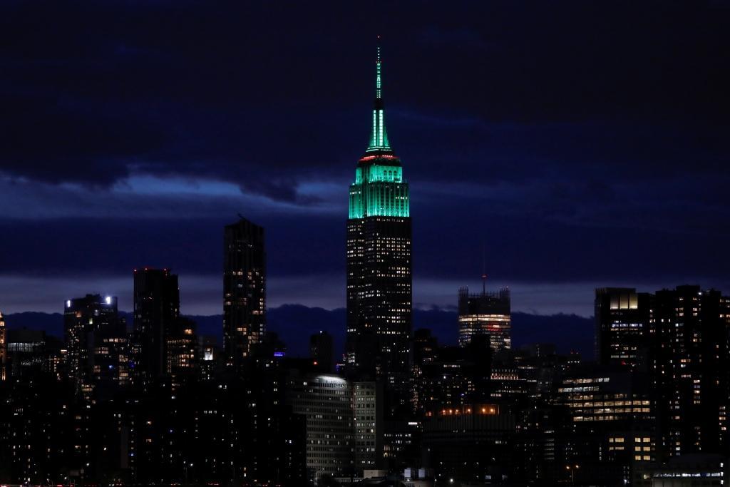 Empire State Building byla během Dne země zbarvena do zelena