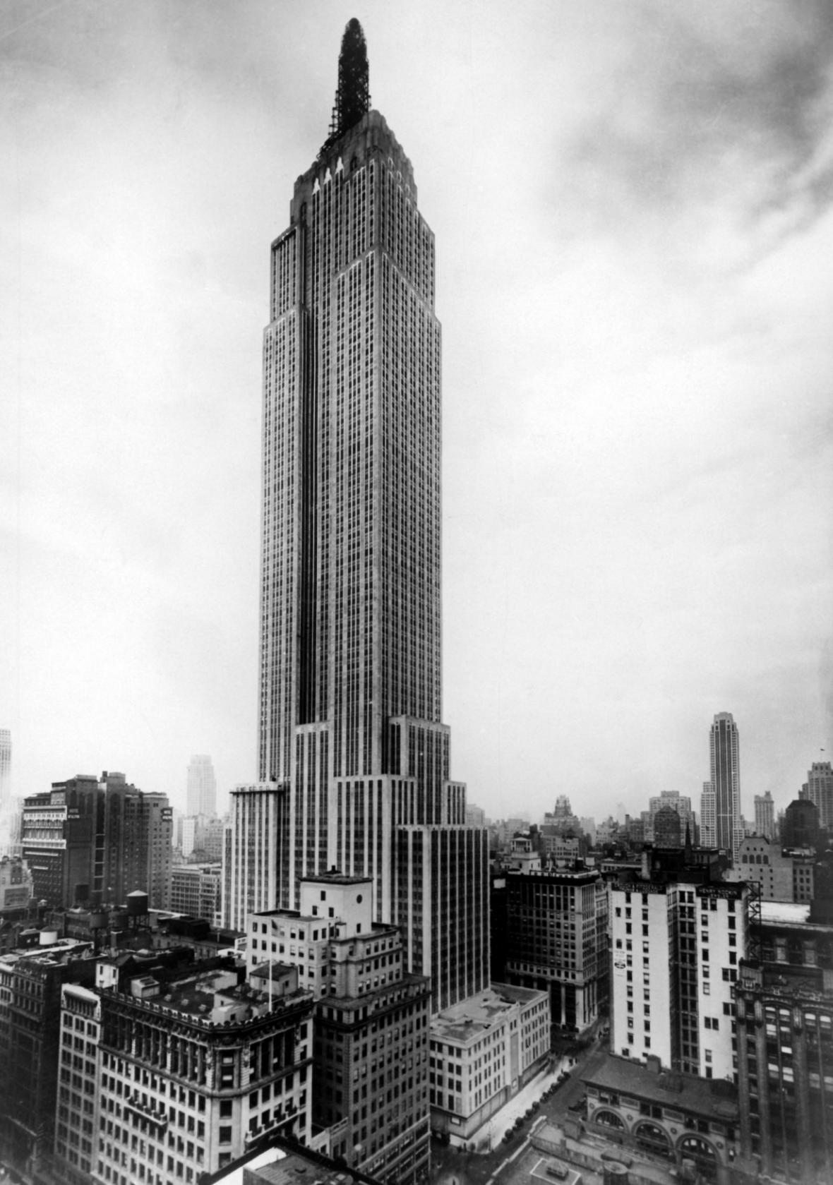 Snímek z května 1931, kdy byla budova slavnostně zpřístupněna