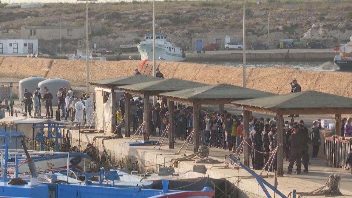 Počet migrantů na italském ostrově Lampedusa se za poslední rok zvýšil