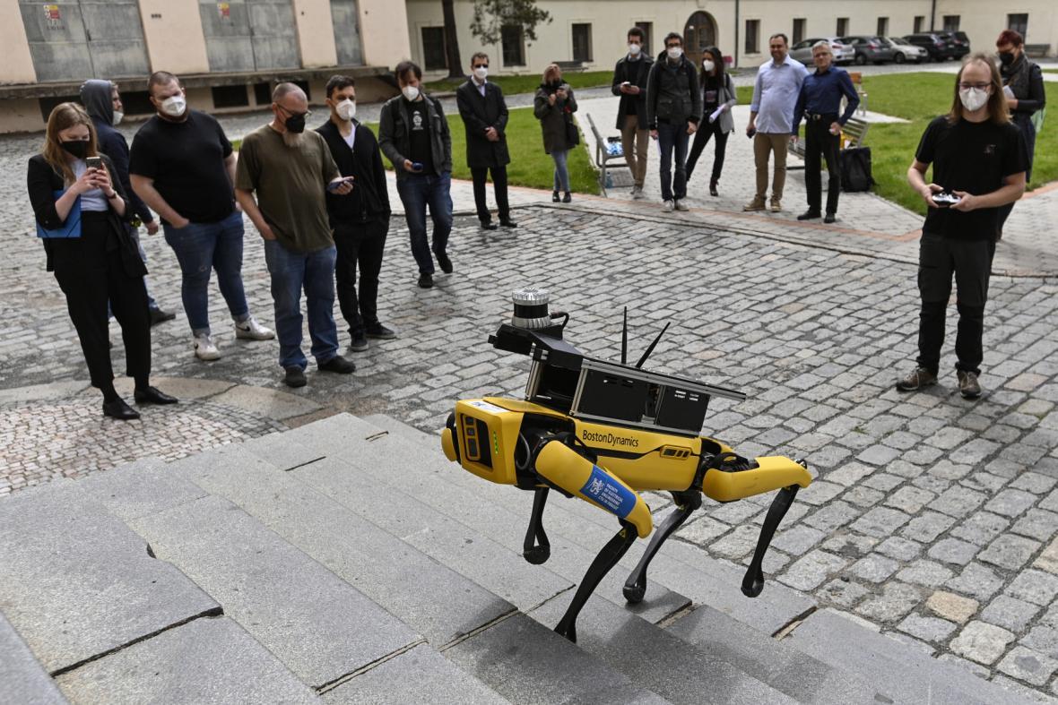 Robotický pes na ČVUT
