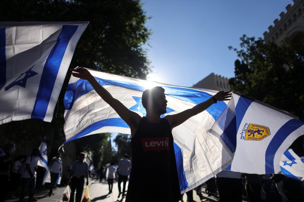 Izraelsko-palestinský konflikt přerostl 15. června 2021 v otevřené demonstrace izraelských nacionalistů a palestinců podporující islamistickou politickou stranu Hamás