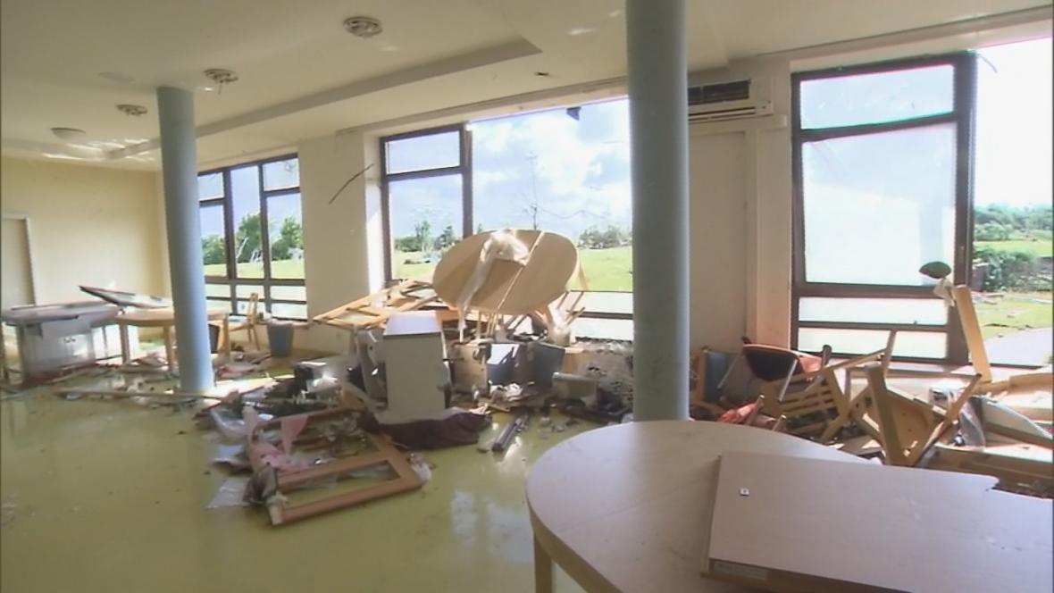 Tornádo zasáhlo i domov seniorů v Hodoníně