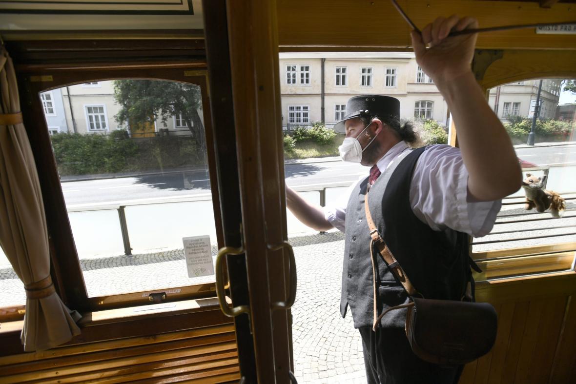 Turistická tramvaj 42 v Praze