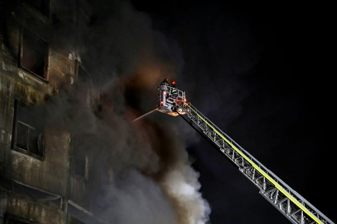 Požár továrny v Bangladéši