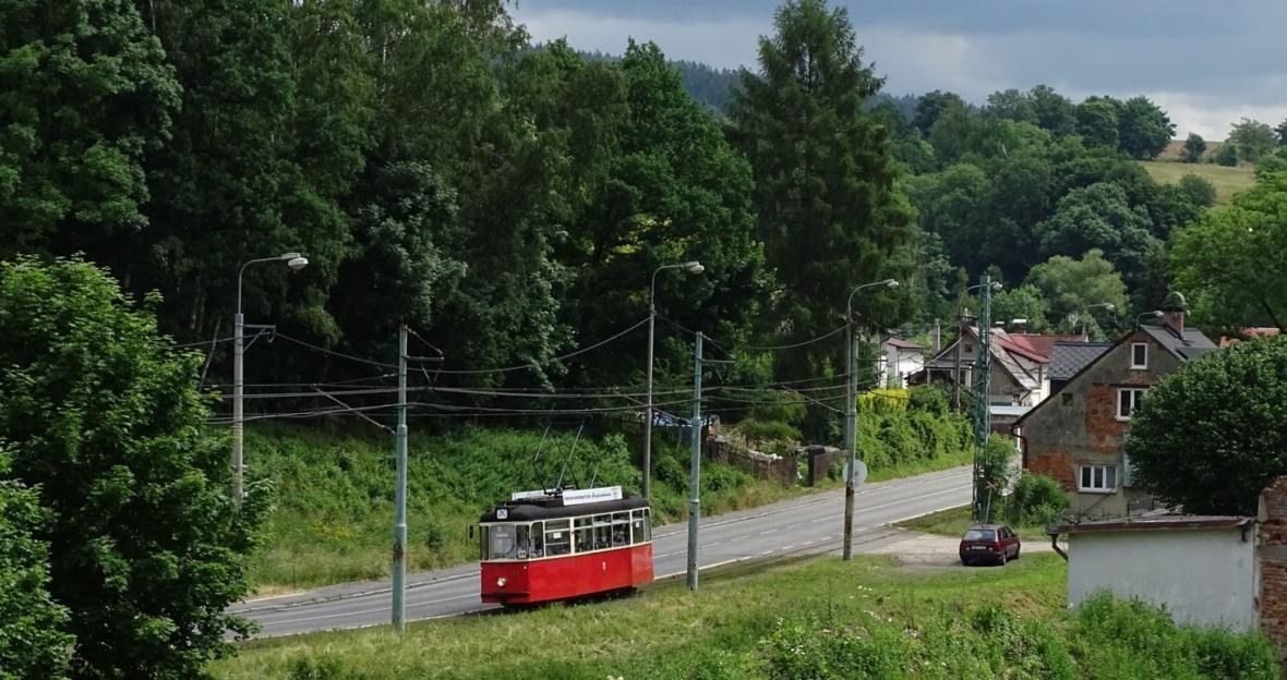 Historické tramvaje na trati mezi Libercem a Jabloncem