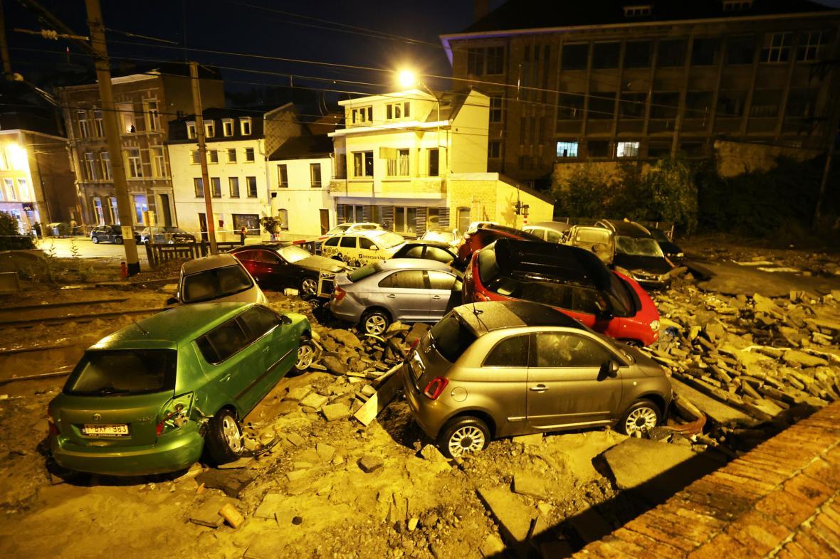 Následky sobotního počasí v belgickém Dinantu