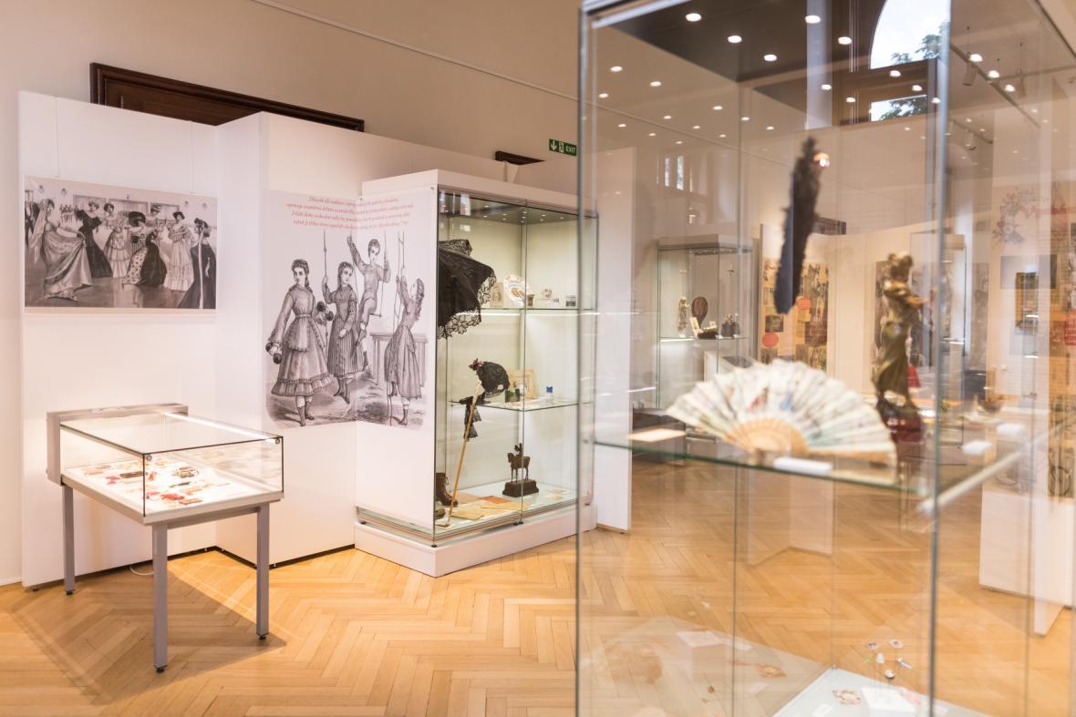 Výstava o volném času žen v 19. stioletí