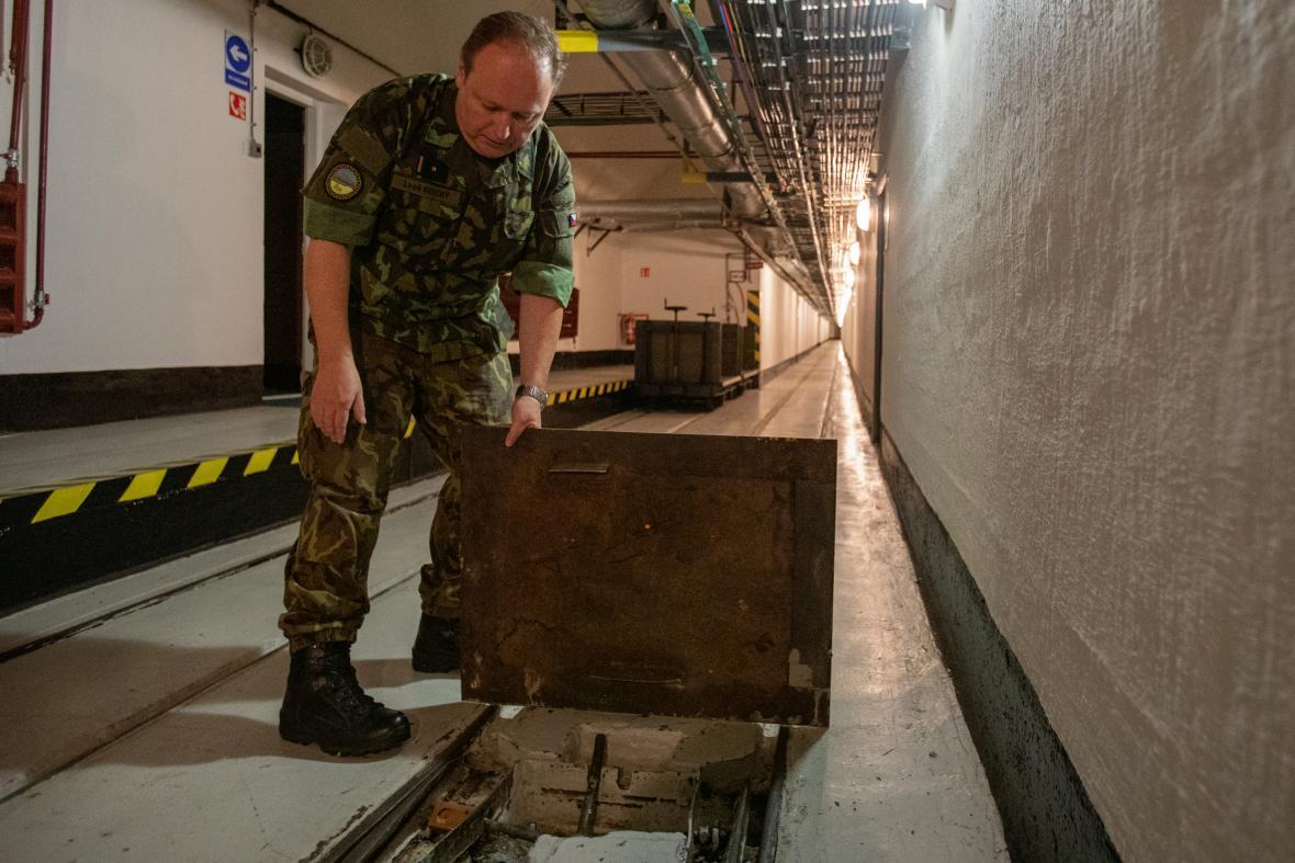 Pevnost Smolkov na opavsku stále slouží armádě, vojáci v ní skladují materiál