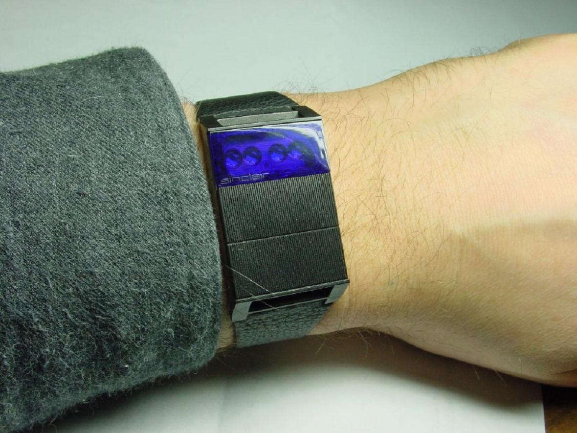 Hodinky Sinclair Radionics Black Watch byly technicky i finančně propadák