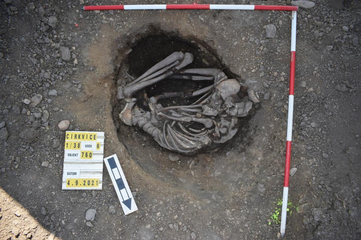 Nálezy archeologů v místě budoucího obchvatu Církvice