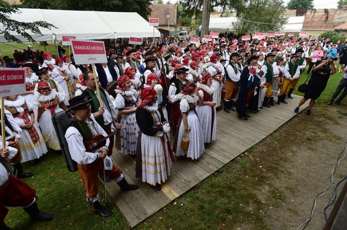 Letošní ročník putovního festivalu Setkání Hanáků v Tovačově na Přerovsku