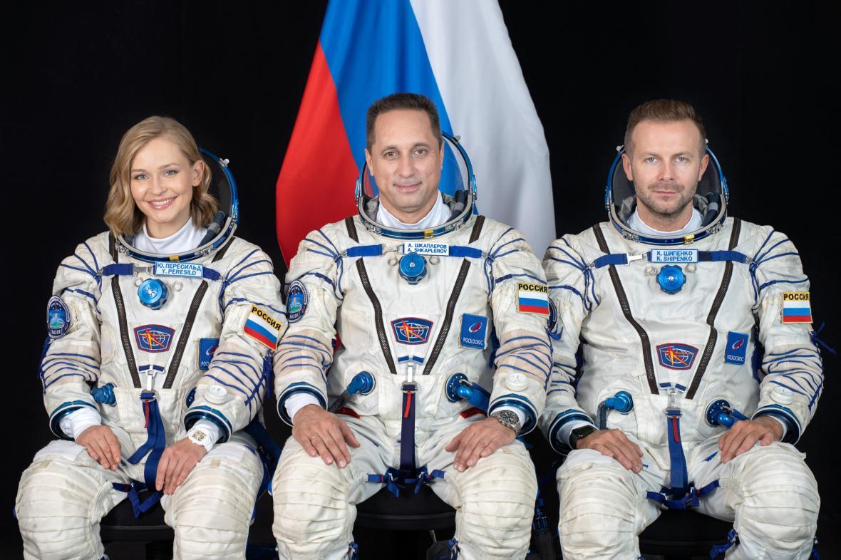 Příprava a start rakety Sojuz-2.1a s lodí Sojuz MS-19 z kosmodromu Bajkonur v Kazachstánu