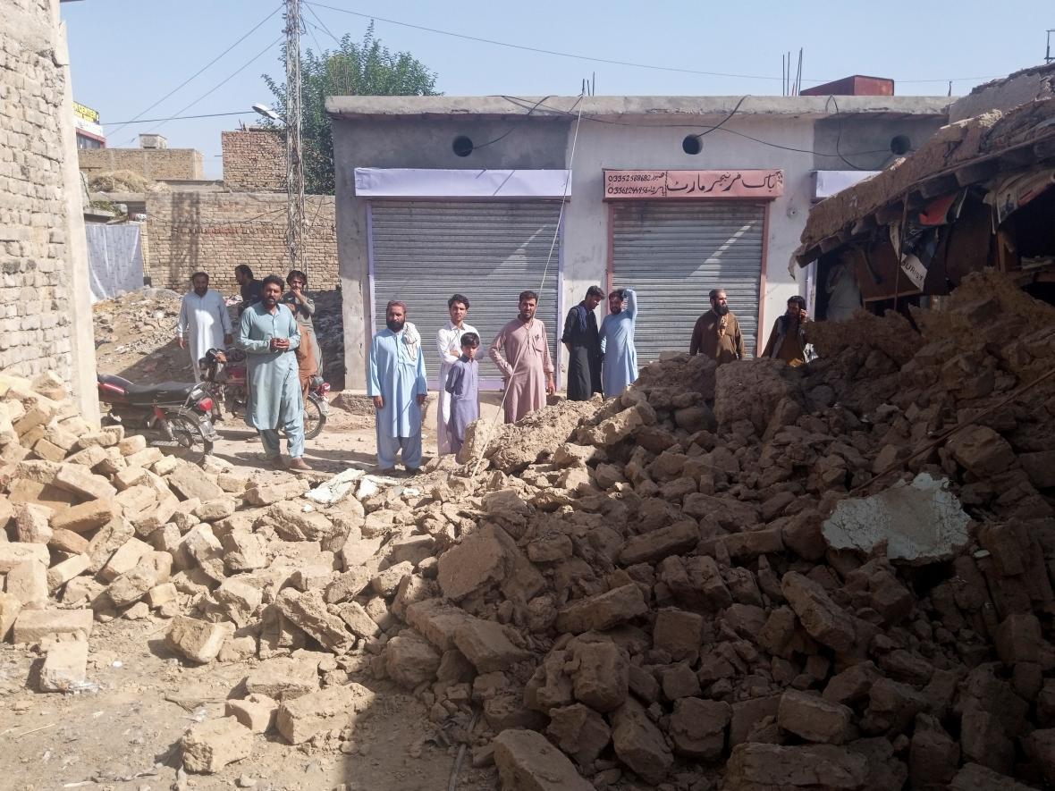 Následky zemětřesení v Harnai