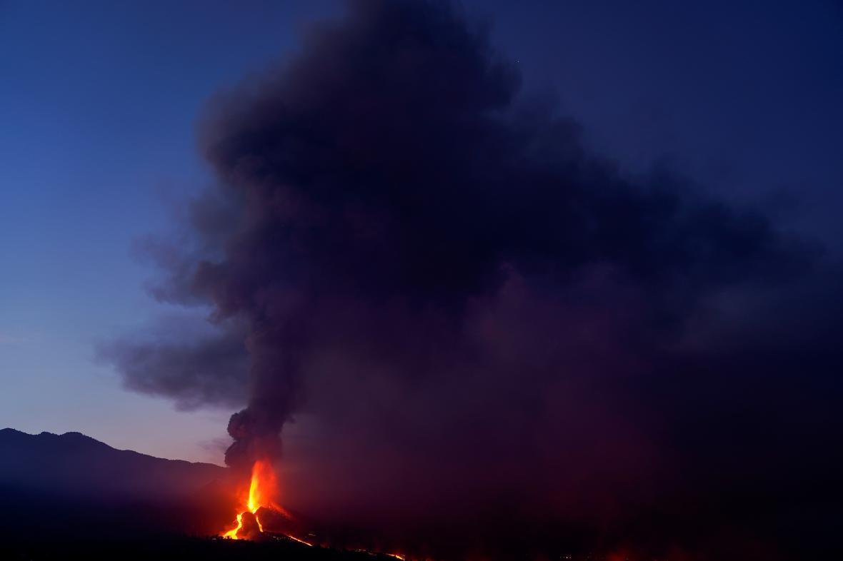 Láva na ostrově La Palma