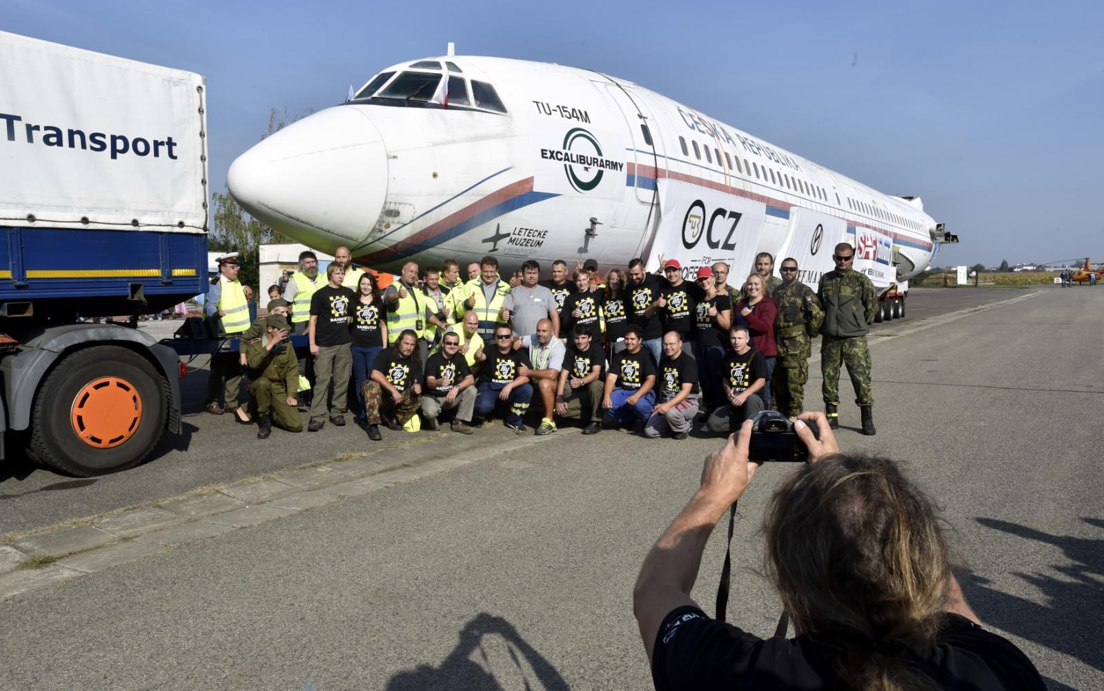 Tupolev Tu-154 dorazil do Kunovic